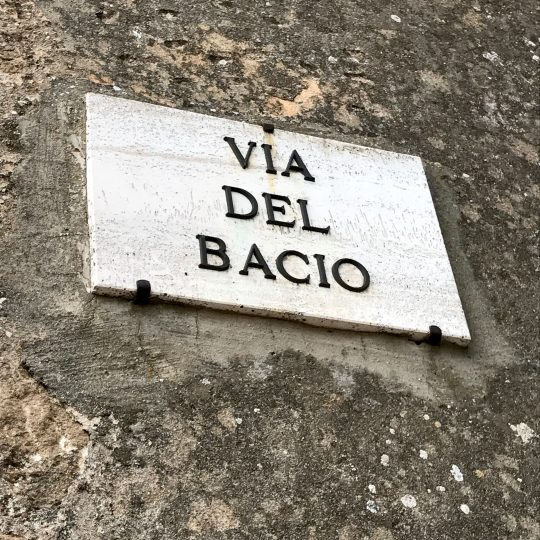 http://www.ilgiuncheto.it/en/wp-content/uploads/2016/10/via-del-bacio-540x540.jpg