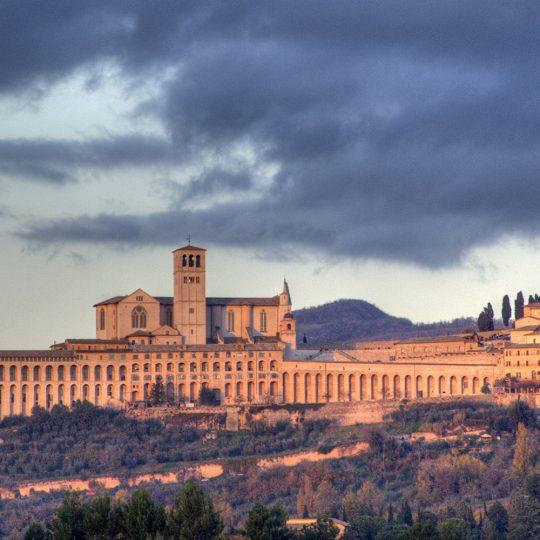 https://www.ilgiuncheto.it/wp-content/uploads/2016/10/Assisi-skyline-540x540.jpg