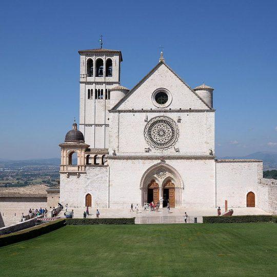 http://www.ilgiuncheto.it/wp-content/uploads/2016/10/Assisi_-_Basilica_di_San_Francesco_02-540x540.jpg