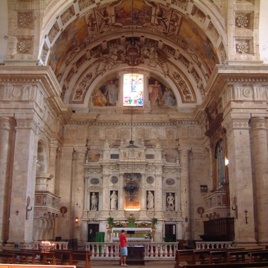 http://www.ilgiuncheto.it/wp-content/uploads/2016/10/Montepulciano_-_Madonna_di_San_Biagio_-_Interior2-540x540.jpg