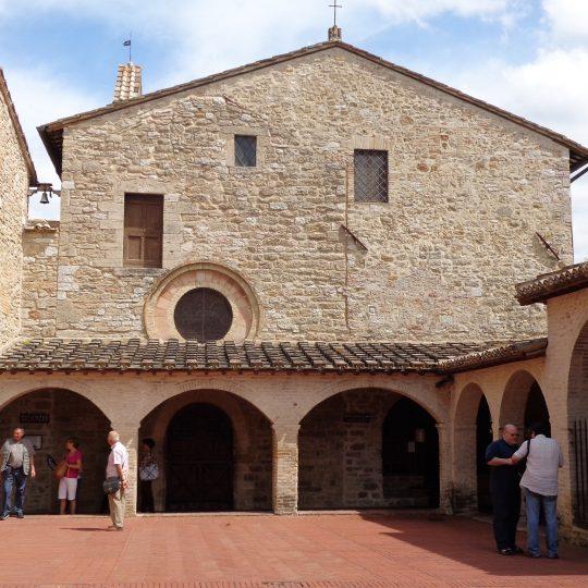 http://www.ilgiuncheto.it/wp-content/uploads/2016/10/San_Damiano_Assisi_03-540x540.jpg