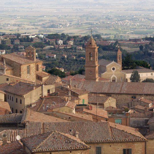 http://www.ilgiuncheto.it/wp-content/uploads/2017/01/Montepulciano2-540x540.jpg